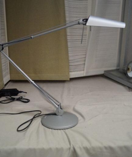 Luxo Bordslampa Air 600