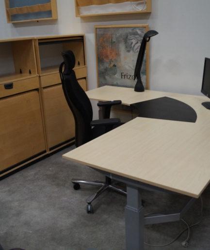 3-Pelare Höj- o Sänkbart Skrivbord